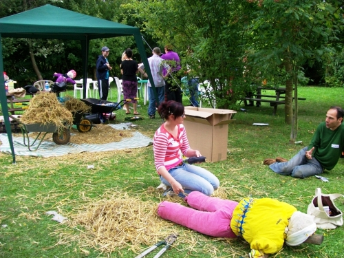 Making scarecrows for the HeARTwood Festival at Earthworks